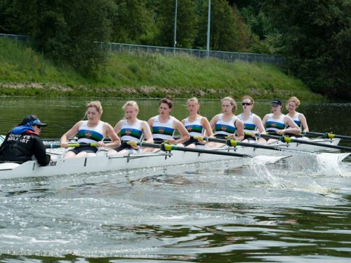 Queen's Ladies Rowing